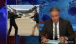 """""""The Daily Show"""" Host Jon Stewart Goes Après NJ gouverneur Chris Christie mercredi, alors Trump (Encore une fois) le jeudi [Visualisez]"""