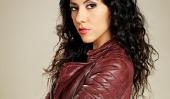 «Brooklyn Neuf-Neuf 'Star Stephanie Beatriz Nails Deadpan Humour sur la FOX Comédie, parle Représentation Latina à la télévision