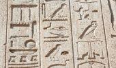Ce qui a eu l'écriture égyptienne et les mathématiques?