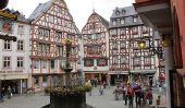 La place de Marché Médiéval de Bernkastel-Kues