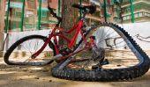 la réparation de vélos - mettre le guidon et les freins de l'outil de retour à la hauteur