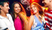 Dans la danse du club de la musique - pas de danse simples de sorte que vous apprenez