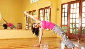 Exercices avec l'oreiller de balle effectuent - donc vous former
