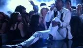 """Singer """"Leg Drop"""" de Miguel de Fan Au Billboard Music Awards peut avoir causé des lésions cérébrales [Vidéo]"""