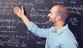 Placez l'ordinateur portable pour étudier les mathématiques correctement