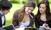 Top 10 des raisons pourquoi les étudiants devraient éviter universitaires Services de rédaction