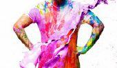 Regardez: Photographe Lance couches de peinture au Toile humaines