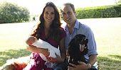 Kate Middleton Shows Off ses deux bébés dans New Royal Photo de famille!