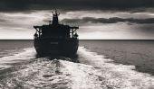 """""""Man Overboard"""" par Günter Kunert - Résumé"""