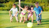 Gymnastique avec enfants - rend ainsi le mouvement de plaisir