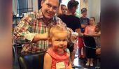 Obsédé par cette fab papas d'enseignement de salon pour faire les cheveux de leurs filles