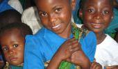 Monnaies de Club Penguin pour le changement Affiche le incroyable générosité des enfants