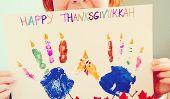Célébrer Thanksgivukkah avec une empreinte de la Turquie Menorah