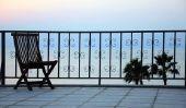 Revêtement plastique sur le balcon - avantages et inconvénients