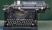 Nettoyez Une vieille machine à écrire - donc réussit de