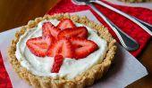 Célébrez la fête du Canada avec Strawberry Cheesecake Maple Leaf Tarts