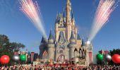 Célébrez les vacances avec les parcs Disney Parade de Noël