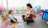 """""""Encore et encore, vient un nouveau printemps"""" sur la guitare apprendre"""