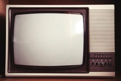 Bandes vertes sur la télévision - que faire?