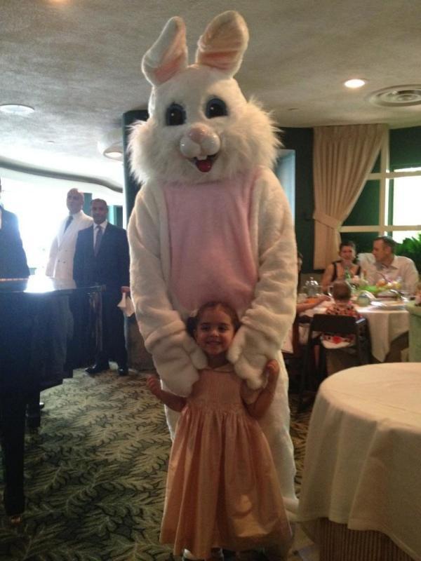 Candides de Pâques Photos des étoiles!  De Bethenny Frankel Bunny bébé de Jessica Alba
