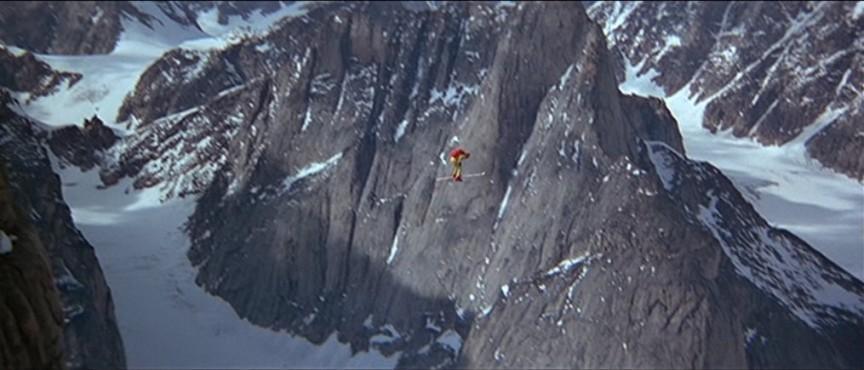 Top 10 des cascades les plus co teux de l 39 histoire du film for Exterieur batiment spy