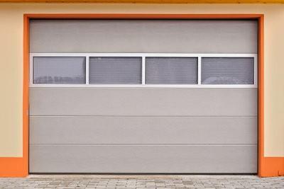 Porte de garage lectrique il vous devrait prendre avant for Installation porte garage electrique
