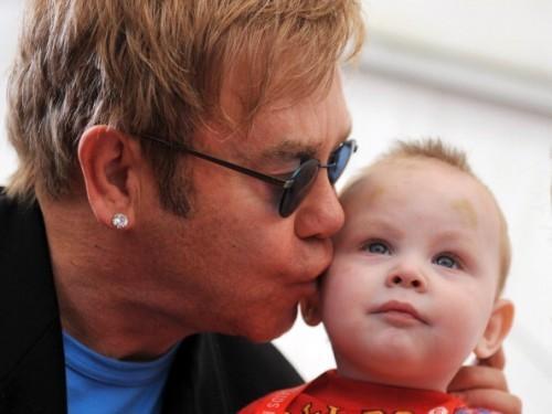 Ce que nous pouvons apprendre de la campagne de Elton John de #BoycottDolceGabbana