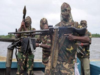 Plus de 100 écolières nigérians Rester perdues après l'enlèvement par des terroristes Organisation Boko Haram