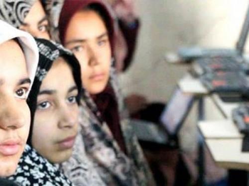 Cette organisation incroyable donne des filles en Afghanistan la chance d'acquérir des compétences de pointe