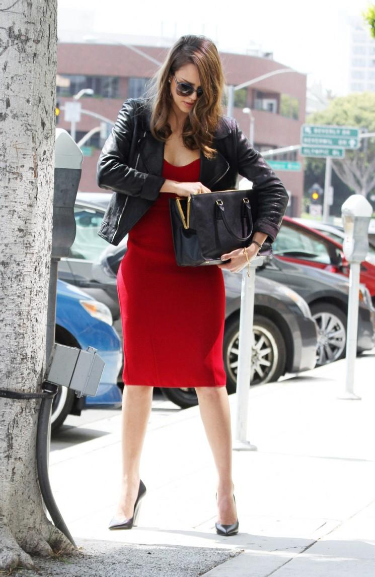 Style Star!  Jessica Alba va de Business Casual (Photos)