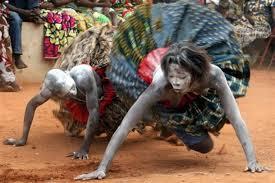 Top 10 des rituels bizarres encore jouées dans le monde