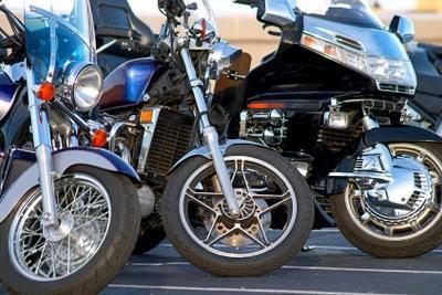 jantes de moto polonais de sorte qu 39 il brille nouveau comme neuf. Black Bedroom Furniture Sets. Home Design Ideas