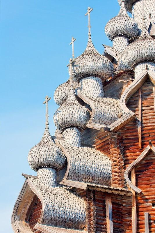 Kizhi Pogost: Ans Église 300 Multi-Dôme construits sans Nails