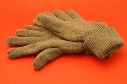 Strickanleitung pour les gants - comme des œuvres d'oeil rayé