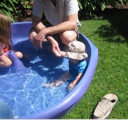 Garder bébé en sécurité dans une vague de chaleur