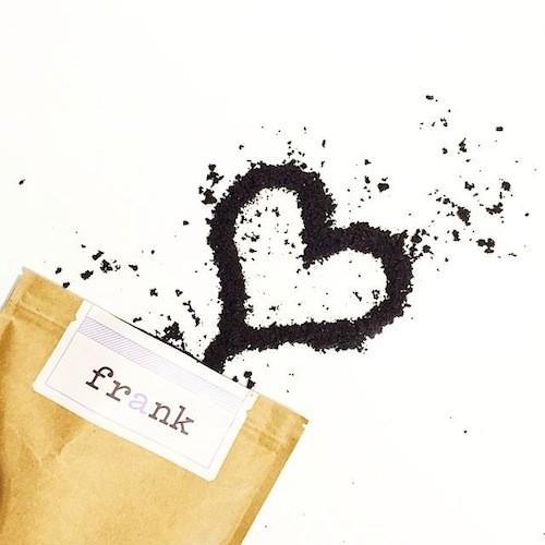Obtenez votre peau super douce avec ce café gommage