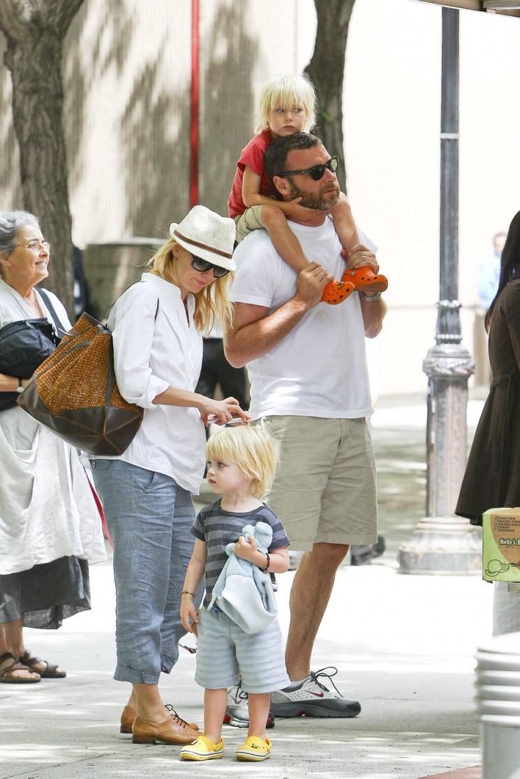 Oubliez la Californie!  Ces Celebrity Familles Appel NYC Accueil!  (Photos)