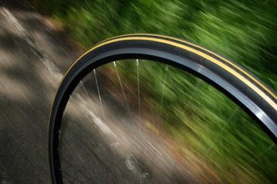 Road - mesure de la pression des pneus correctement