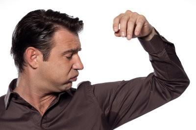 Comment éviter les taches de sueur