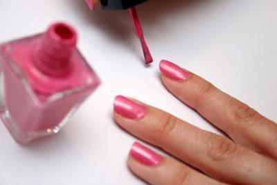 Nails se peint - comment il est sûr