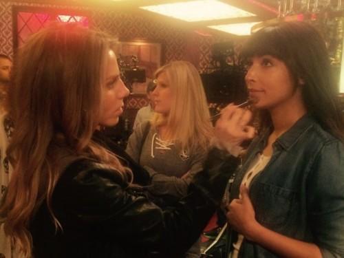 Tous les deets sur maquillage impeccable de Cece sur l'épisode de ce soir de «New Girl»