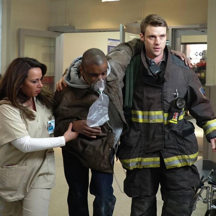 NBC Chicago Fire 'Saison 3 Episode 20 spoilers: Mills Obtient Dream Job Retour, Faces lutte interne [Visualisez]