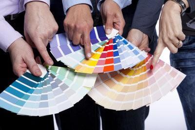planificateurs de couleur utilisent correctement afin de rendre l'appartement