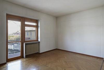 pourquoi le chauffage toujours sous la fen tre. Black Bedroom Furniture Sets. Home Design Ideas