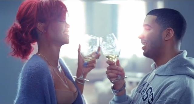 Drake 'Rien était le même »et Rihanna Rencontre rumeurs:« prendre soin »Singers Profitez Censément bains Quickie, sont maintenant officiels [VIDEO]