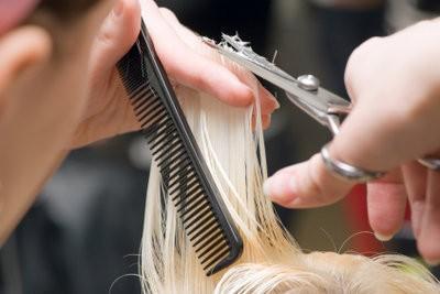 Cheveux coupés court - si facile que vous faites vous-même
