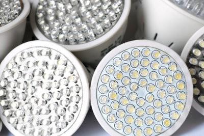 Plafonniers LED mont correctement