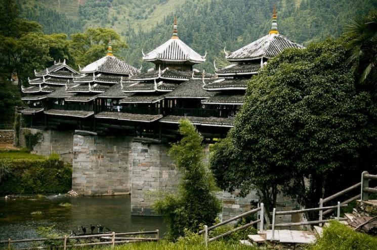 Vent et la pluie Ponts du peuple Dong de la Chine