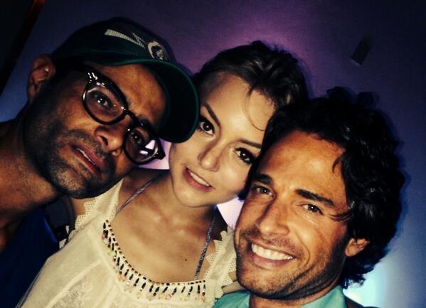 Angelique Boyer et Sebastián Rulli Relation: 'Lo Que La Vida Me Robo' Co-Star dit qu'il ya Non Sur-Set Romance