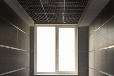 Installation de fenêtres de sous-sol - comment cela fonctionne: